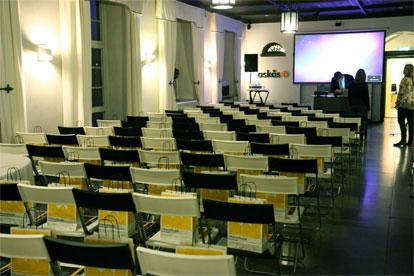 Konferens på andra våningen i Huvudkontoret